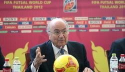 ฟุตบอล : แบล็ตเตอร์ ชมไทยจัดฟุตซอลโลกประทับใจ เตรียมบรรจุโต๊ะเล็กเข้าโอลิมปิก
