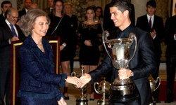 """""""โด้"""" สุดปลื้มคว้ารางวัลนักกีฬายอดเยี่ยมแห่งปีของสเปน"""