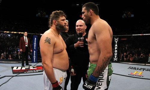 """ซิกแพ็คไม่ต้อง! """"รอย เนลสัน"""" พี่อ้วนสุดโหดแห่งวงการ MMA (คลิป)"""