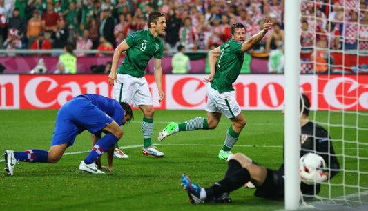 ประมวลภาพ โครเอเชีย ชนะ ไอร์แลนด์ 3-1