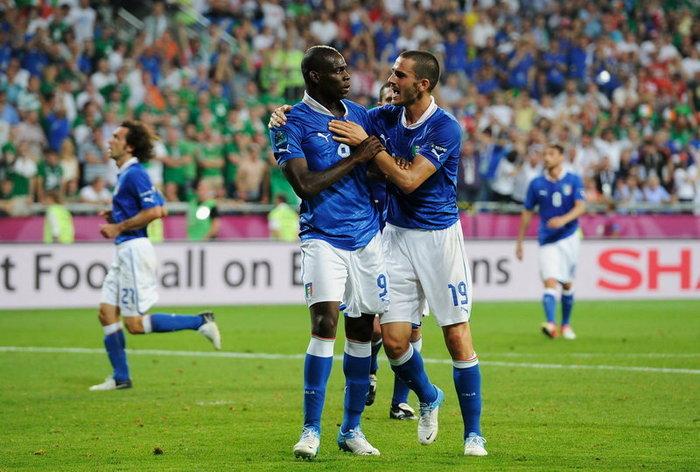ประมวลภาพ  อิตาลี ชนะ ไอร์แลนด์ 2-0