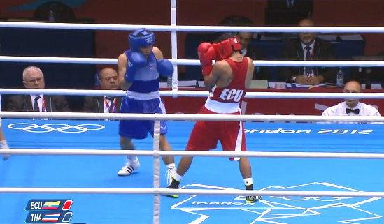 แก้ว พงษ์ประยูร อัดมวยเอกวาดอร์ 10-6 ฉลุยรอบก่อนรองฯโอลิมปิก 2012