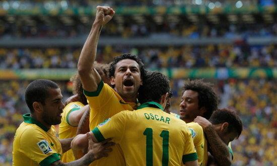 บราซิลเจ๋งไล่ต้อนอิตาลีสุดมันส์ 4-2 +คลิป