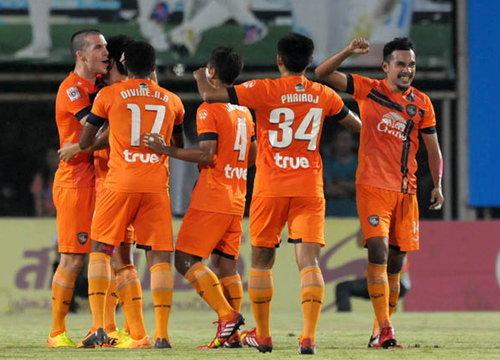 สุพรรณบุรีบุกยิงทีโอที 2-0 ศึกไทยลีก