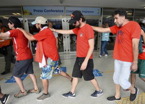 จนท.บราซิลปล่อยแฟนบอลชิลีบุกศูนย์สื่อมาราคาน่า