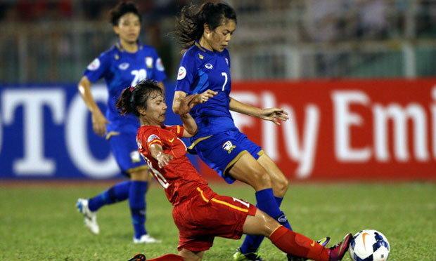 น่าเสียดาย! แข้งสาวไทยพ่ายญวน 1-2 ตกรอบ 8 ทีมสุดท้าย