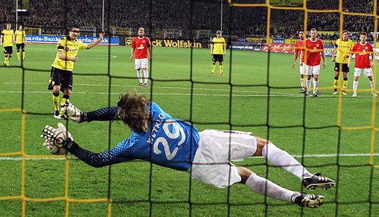ดอร์ทมุนด์เซ็งไมน์ซตี1-1,เสือใต้2-1,ฮัมบูร์กดุ
