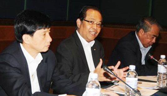 ดร.คอนเฟิร์มไทยลีก2012ใช้กฏแข้งนอก5ลง3+1
