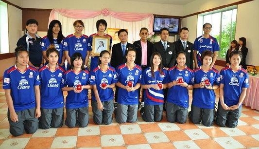 ทูลกระหม่อมหญิงฯทรงชื่นชมผลงานลูกยางสาวไทย