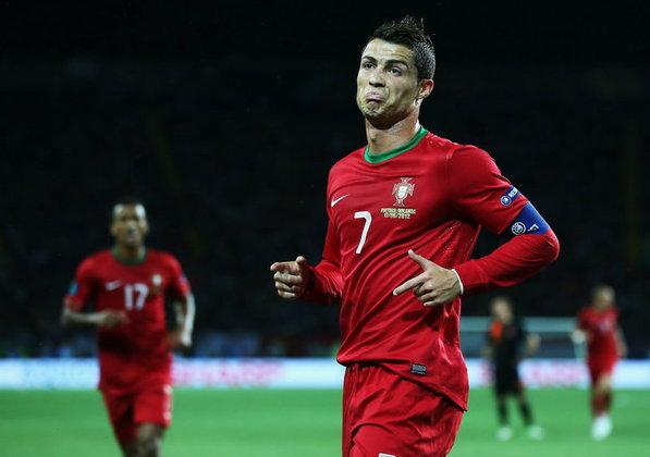 ประมวลภาพ  โปรตุเกส ชนะ ฮอลแลนด์ 2-1