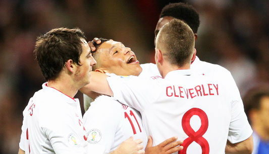"""ฟุตบอล : ถ้าไม่ใช่ """"บอลโลก 2014"""" ก็ต้อง """"ยูโร 2016"""""""