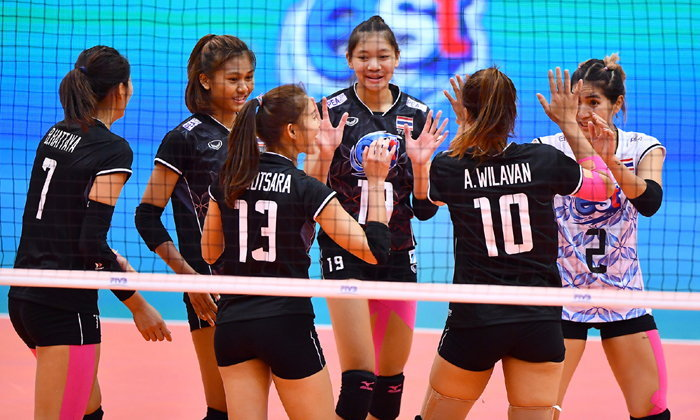 """""""ตบสาวไทย"""" คว่ำ """"เจ้าภาพ"""" 3-0 เซต ทะลุรอบรองฯ ศึกชิงแชมป์เอเชีย"""