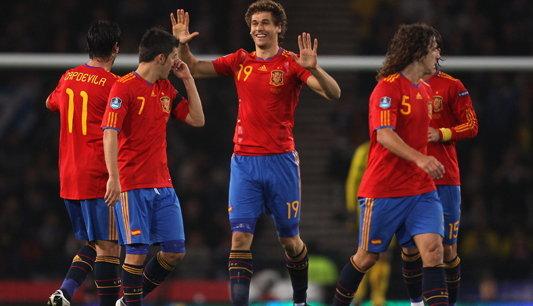 สเปนบุกทุบสกอตต์3-2,ตราไก่จิก2-0
