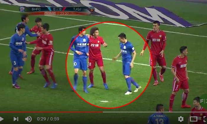 คลิปแข้งจีน เซี่ยงไฮ้ เสิ่นหัวไร้ศิลปะ!!! อยู่ดีๆก็กระทืบเท้า  วิตเซล จนตัวเองโดนแดงแบบโง่ๆ