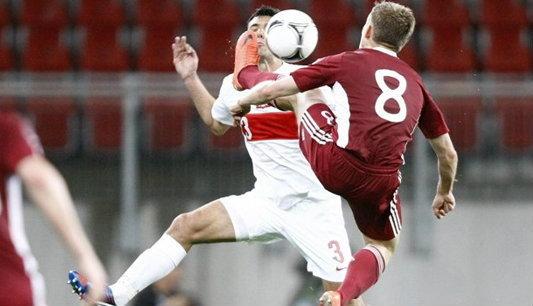 โปแลนด์อุ่นแข้งชนะลัตเวียประเดิมก่อนยูโร