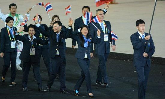"""""""พระองค์เจ้าสิริวัณณวรีนารีรัตน์""""ทรงเดินนำขบวนพาเหรดทัพนักกีฬาไทย พิธีเปิด""""ซีเกมส์ ครั้งที่27"""""""