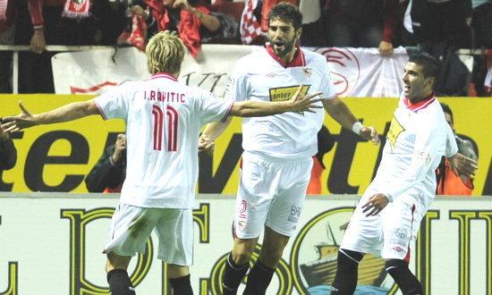 เมเดลซัดเบิ้ล! เซบีย่า เปิดบ้านทุบ เดปอร์ติโบ ลา คอรุนญ่า 3-1