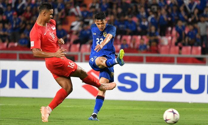 """ไม่มีปัญหา! """"ช้างศึก"""" รัวยิงดับ สิงคโปร์ 3-0 ตีตั๋วรอบรองฯ อาเซียนคัพ"""