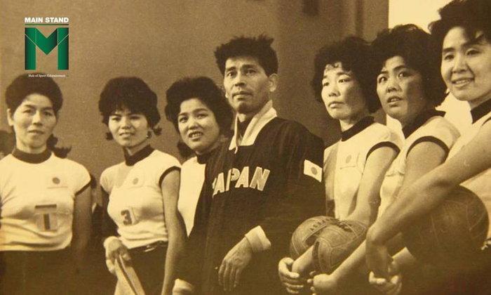 สาวโรงงานสู่เหรียญทองโอลิมปิก : ขุดจุดเริ่มต้นสู่ความยิ่งใหญ่ของทีมนักตบลูกยางญี่ปุ่น