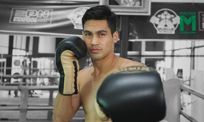 """""""นิค เฟรซเซอ"""" : อดีตนักฟุตบอลทีมดังระดับโลกที่ต้องการคว้าแชมป์มวยโลกในฐานะคนไทย"""