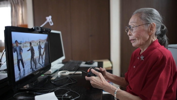 """""""ฮามาโกะ โมริ"""" คุณยายนักแคสเกมวัย 90 ปี"""