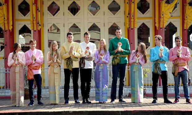 6 นักหวดชื่อดังระดับโลกแต่งชุดไทยเยี่ยมชมสถานีรถไฟหัวหิน (ชมคลิป)