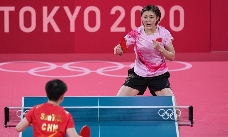สาวจีนเหมา เหรียญทองและเหรียญเงิน เทเบิลเทนนิสหญิงเดี่ยว โอลิมปิก