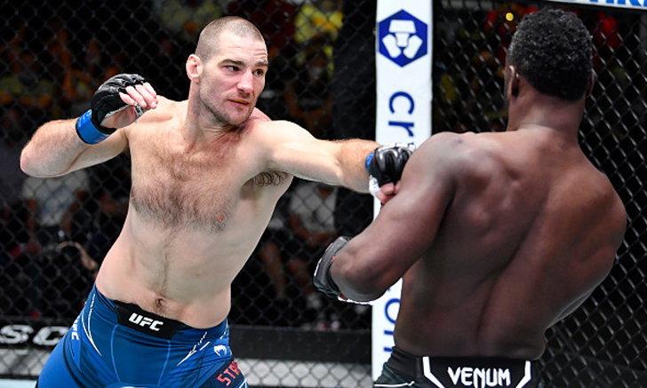 """""""ทาร์ซาน"""" เชิงสู้ต้อนแต้ม """"ฮอลล์"""", บายส์ น็อคเร็วจี๋ UFC FIGHT NIGHT"""
