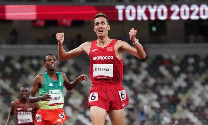 ดับฝันเหรียญทอง 10 สมัยติดของเคนยา! หนุ่มโมร็อกโก ผงาดวิ่งวิบาก 3,000 เมตรชาย