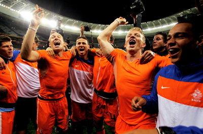อัศวินสีส้มเฉือนจอมโหด3-2 ชิงบอลโลก