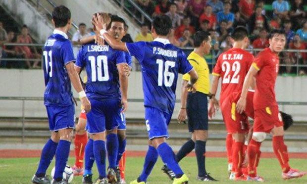 ประมวลภาพ ทีมชาติไทยถล่มเวียดนาม 6-0 ซิวแชมป์อาเซียนยู19