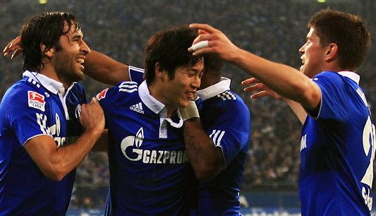 ราอูลซัดเบิ้ล!!ชาลเก้ถล่มซังต์เพาลียับ3-0
