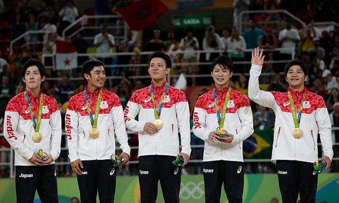 """รอบ 12 ปี! """"อูชิมูระ"""" พาเพื่อนทวงแชมป์ยิมฯ ประเภททีมชายรวมอุปกรณ์"""