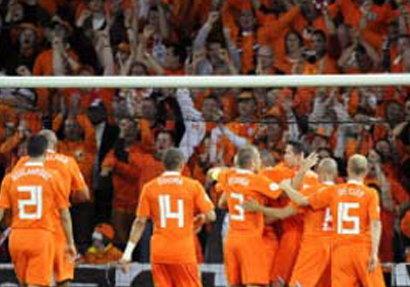 เนเธอร์แลนด์เผยชื่อ36นักเตะก่อนตัดตัวยูโร