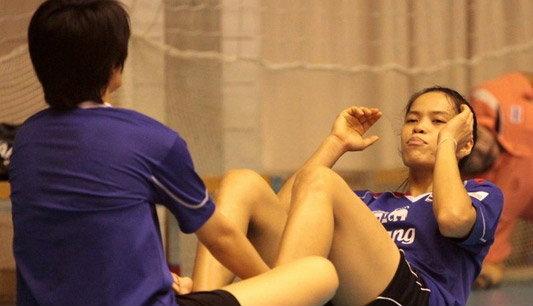 """""""โค้ชอ๊อด""""ย้ำตบสาวไทยเป้าหมายคว้าตั๋วโอลิมปิก2012"""