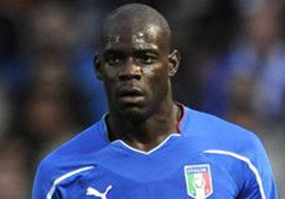 บาโลขู่ฆ่าแฟนบอลที่เหยียดผิวในยูโร2012