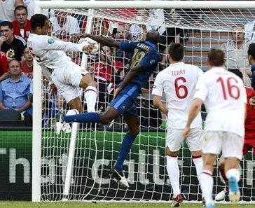 อังกฤษโขกนำก่อนฝรั่งเศสซัดเจ๊า1-1