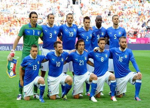 แฟนบอลอิตาลี แห่ต้อนรับขุนพลอัซซูรี