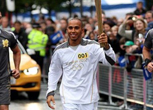 ฮามิลตันร่วมวิ่งคบเพลิงลอนดอนเกมส์2012