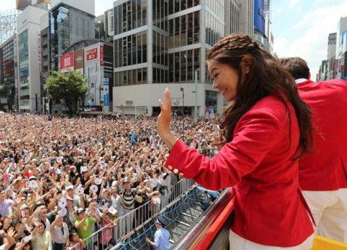 ชาวญี่ปุ่นกว่า 5 แสน ต้อนรับนักกีฬาอลป.