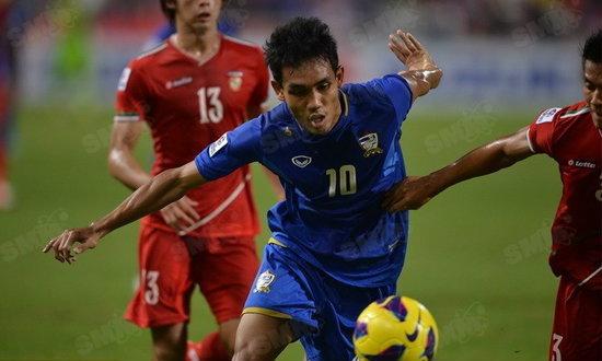 ไทยอัดหม่องเละ 4-0 มุ้ยแฮตทริกพาไทยเข้าตัดเชือกทีมแรก