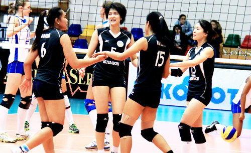 เต็มอิ่ม! รวมภาพนักตบสาวไทยล่าสุด