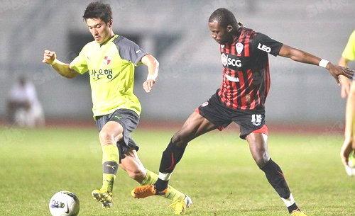 ตามคาด! ปูซาน เฉือนเมืองทอง1-0เข้าชิงชลบุรีอินวิเตชั่น 2013