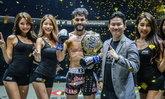 """""""เพชรดำ"""" พ่ายน็อกเสียแชมป์คิกบ็อกซิ่ง, """"แสตมป์"""" คว้าชัยประเดิม MMA ศึก ONE: DREAMS OF GOLD"""