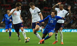 """ผลบอล : ชวดเก็บชัย! """"อังกฤษ"""" เปิดบ้านโดน """"อิตาลี"""" ตีท้ายเกม 1-1"""