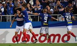 """""""ธีราทร"""" มีสกอร์อีกแล้ว! โยโกฮาม่า เปิดรังอัด ฮิโรชิม่า 3-0 รั้งที่ 3 เจลีกแน่น"""
