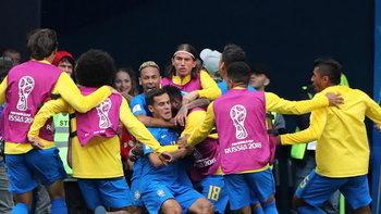 """สุดระทึก! """"คูตี้-เนย์มาร์"""" ซัดทดเจ็บคนละเม็ดพา บราซิล เข่น คอสตาริก้า 2-0"""