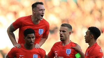 """ผลบอล : """"แรชฟอร์ด"""" ซัดไกลสุดสวย  อังกฤษฟอร์มเฉียบ อัด คอสตา ริกา 2-0 ลับแข้งก่อนลุยบอลโลก (คลิป)"""