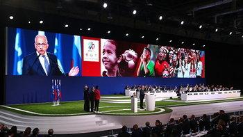 """เจ้าภาพ 3 ชาติ! ฟีฟ่าเลือก """"สหรัฐฯ,แคนาดา,เม็กซิโก"""" จัดศึกฟุตบอลโลก 2026"""