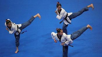 """คว่ำเต็งหนึ่ง! """"ทีมเทควันโดพุมเซ่หญิง"""" เฉือน เกาหลีใต้ ซิวทองศึกเอเชียนเกมส์"""